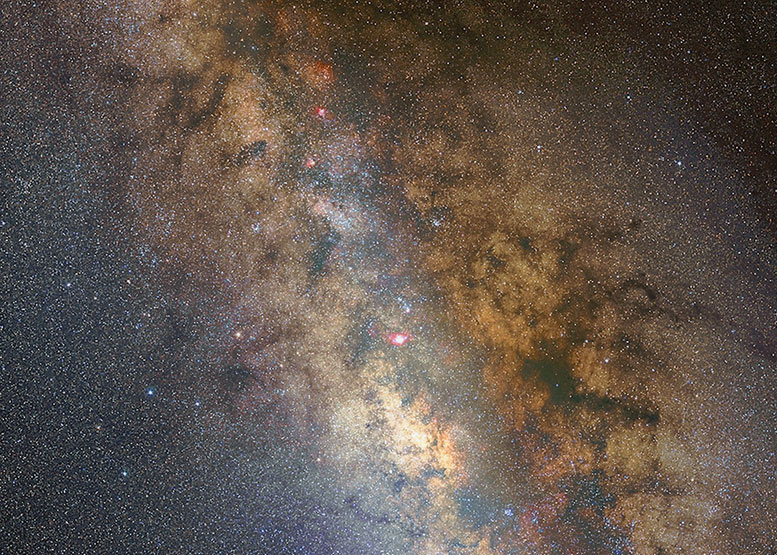 The Milky Way: VL test PSP8 by gjdonatiello is licensed under CC CC0 1.0 (cropped)