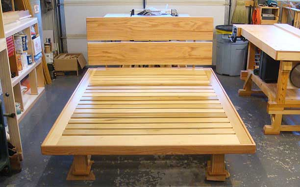 The finished and assembled bed platform